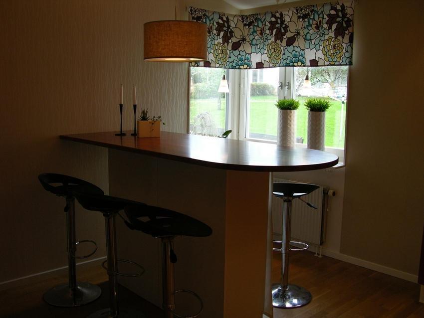 Barbord i köket matsalen är uppe
