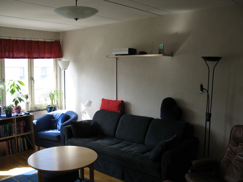 Vardagsrummet, bakre väggen