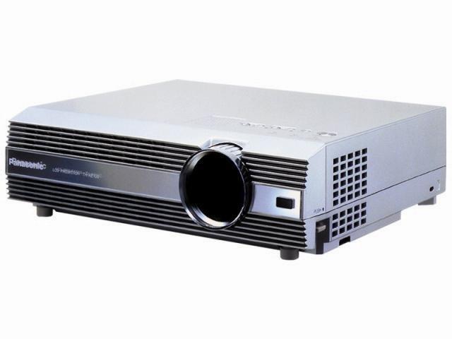 Tidigare projektor / Panasonic PT-AE100e