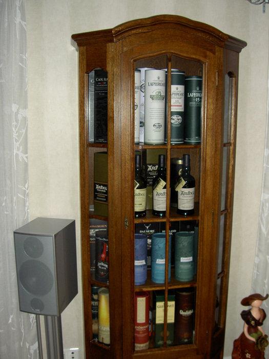 Whisky skåp
