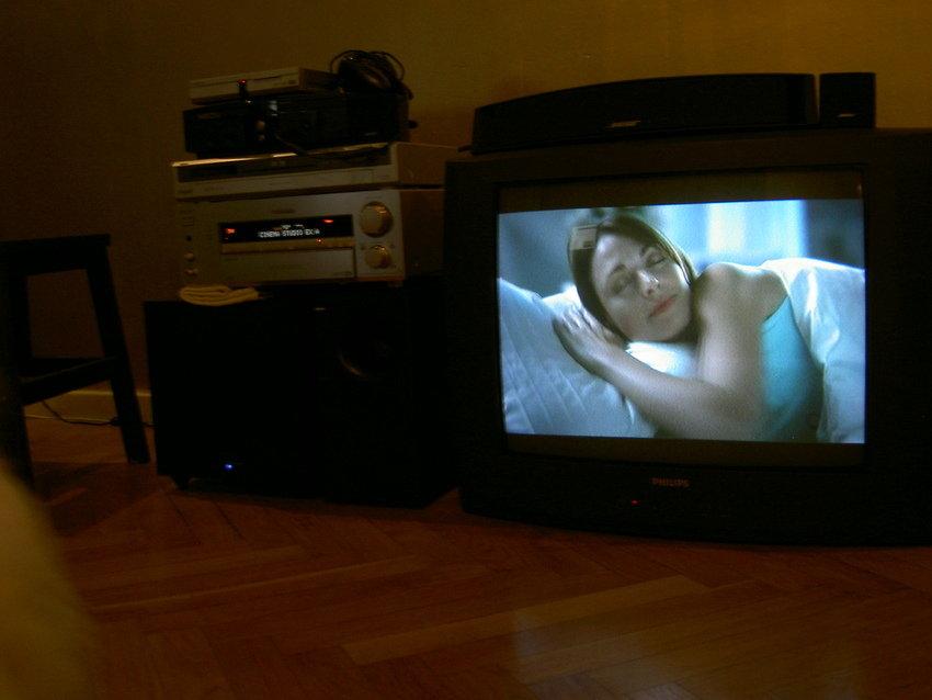 I väntan på tv bänk