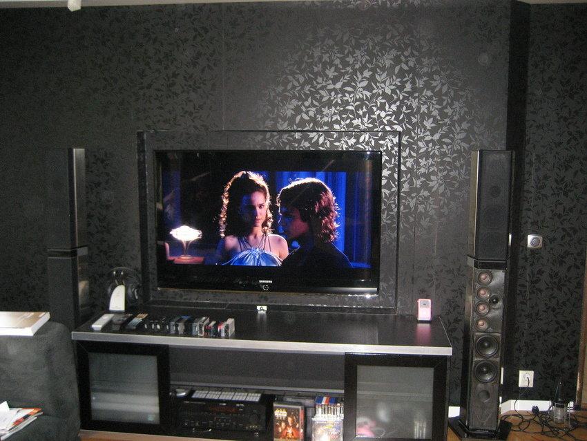 Samsung LE-52M87BD och hemma byggd TV- bänk