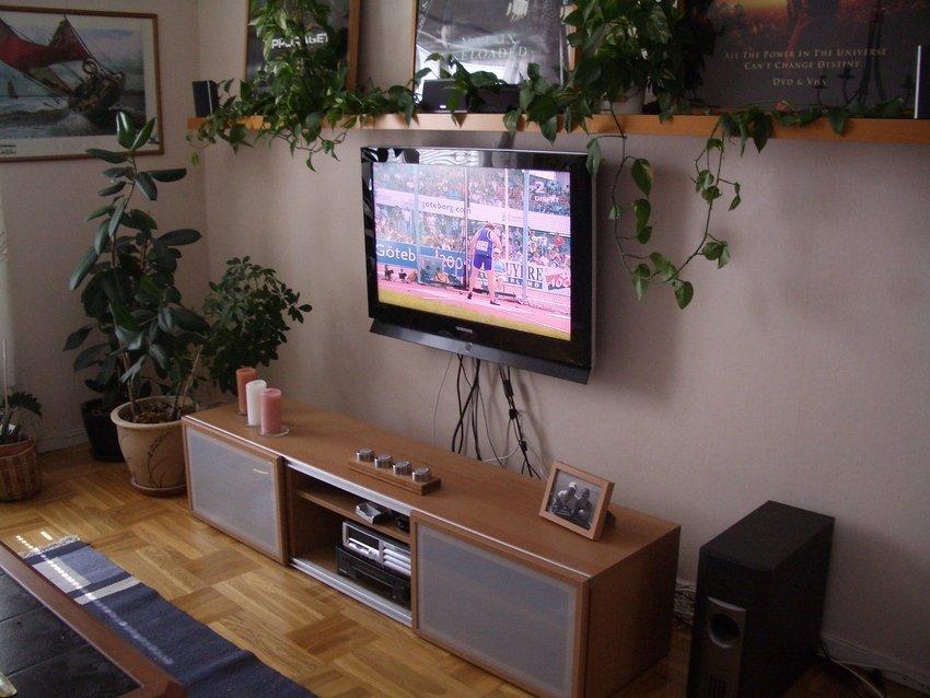 Det var dags att byta Tvmöbel samt att montera TVn på väggen
