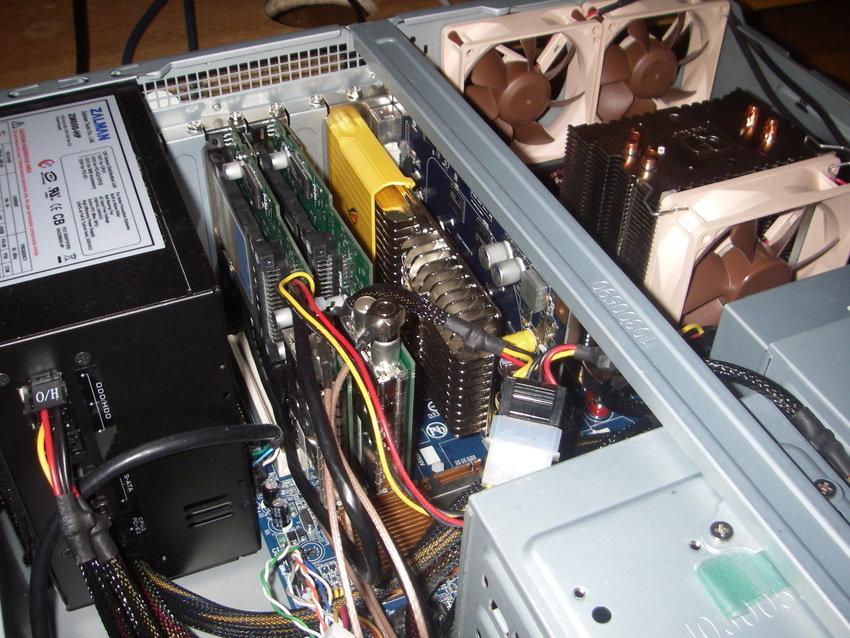 Dubbla FloppyDTV-C samt ett 8600GT