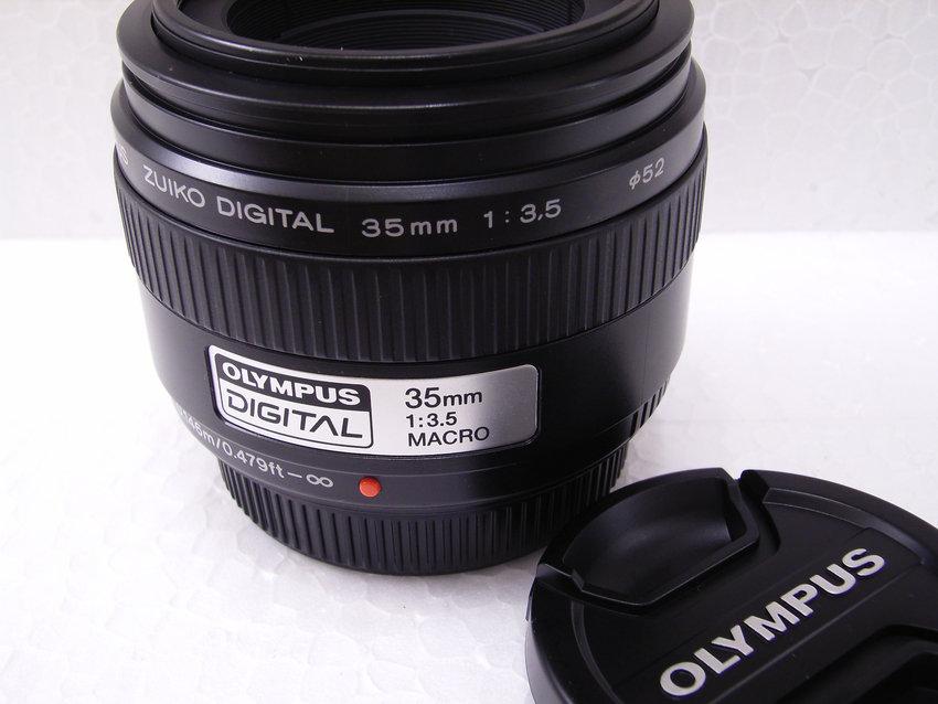 Makroobjektivet Olympus Zuko Digital 35mm f/3.5