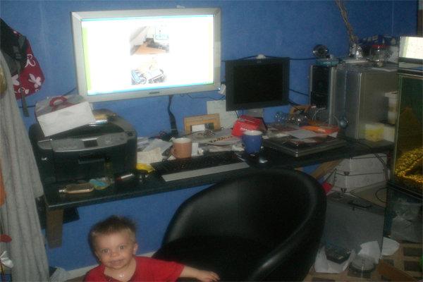 Ett stycke icke städat skrivbord