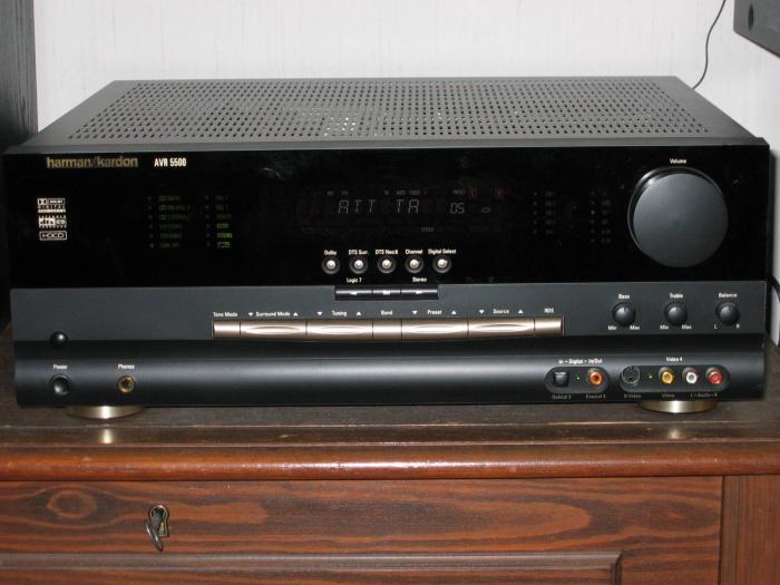 HK AVR 5500