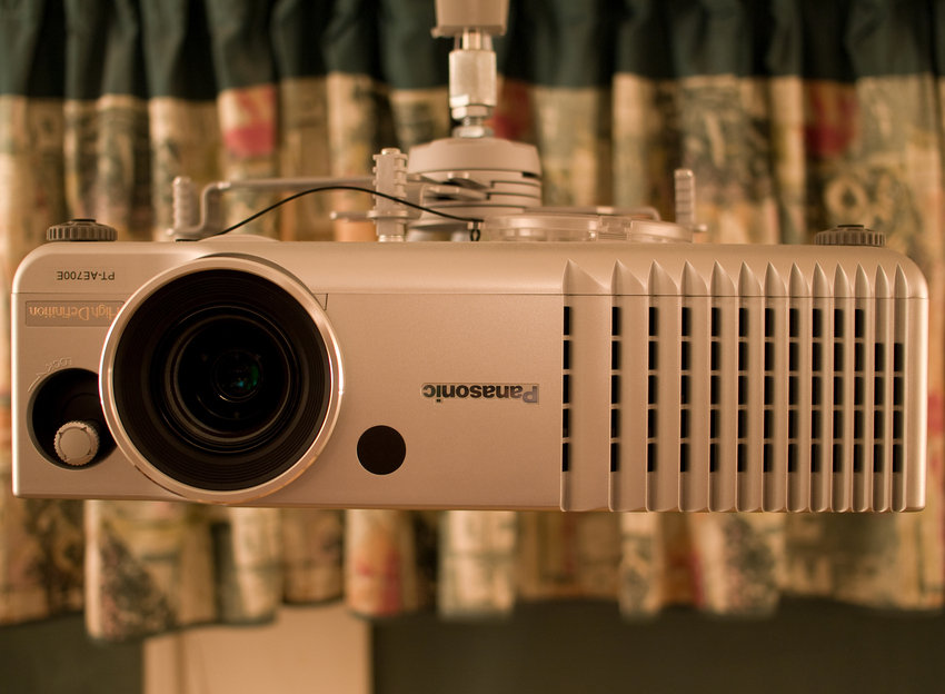 Panasonic PT-AE700