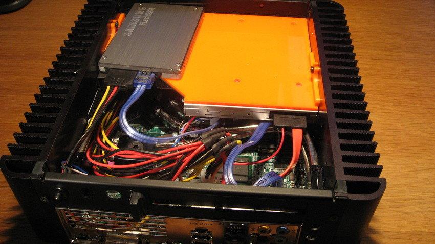 HFX Micro M2 (quad core, Intel G45, Blu-Ray slotin och lite SSD kärlek