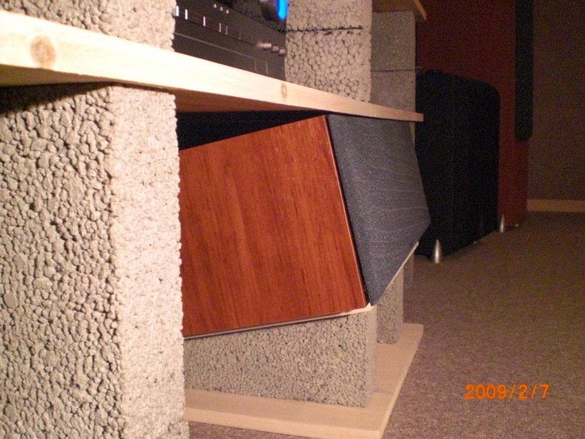 Hemmabyggd stereobänk