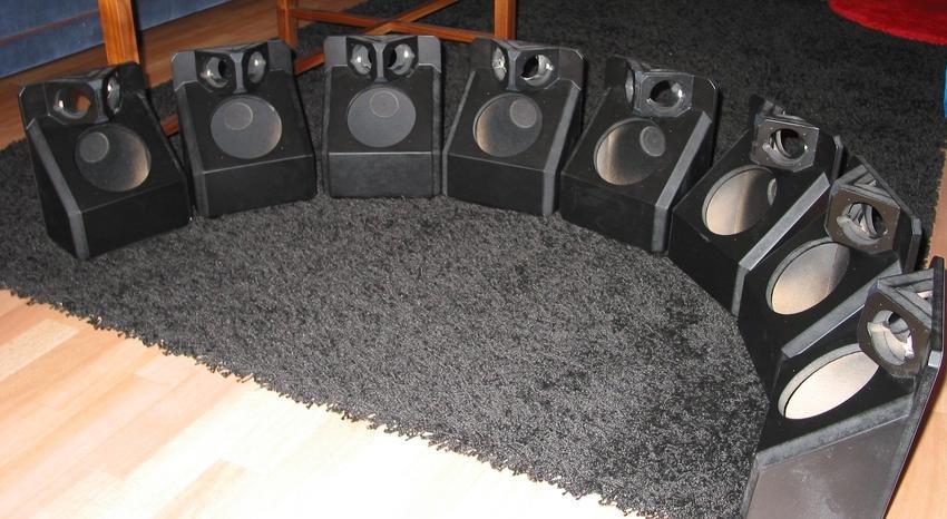 Ett par högtalare