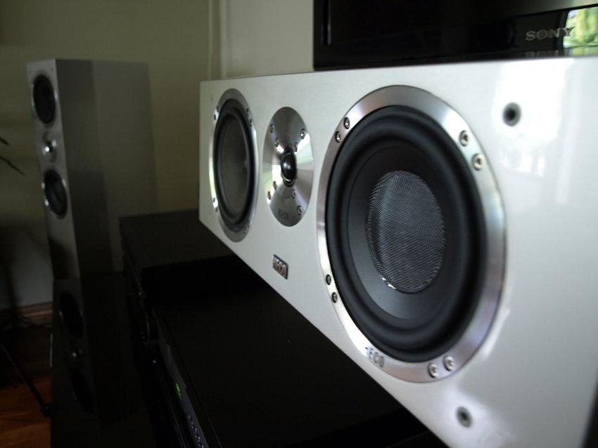 Extremt välbyggda högtalare...
