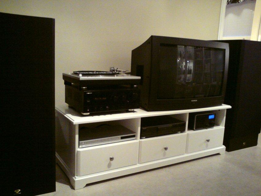 bilder av ikea liatorp tv benk hifi m bel. Black Bedroom Furniture Sets. Home Design Ideas