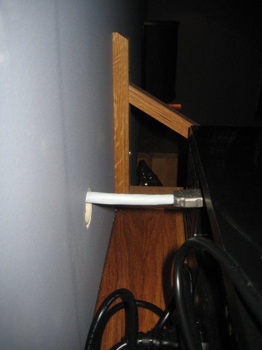 Kabelgenomföring för HDMI-kablage