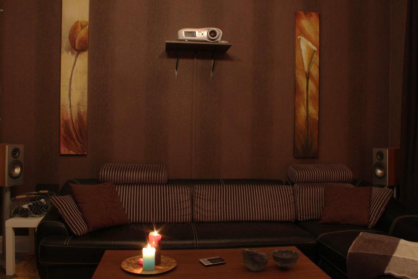 Soffa och projektor
