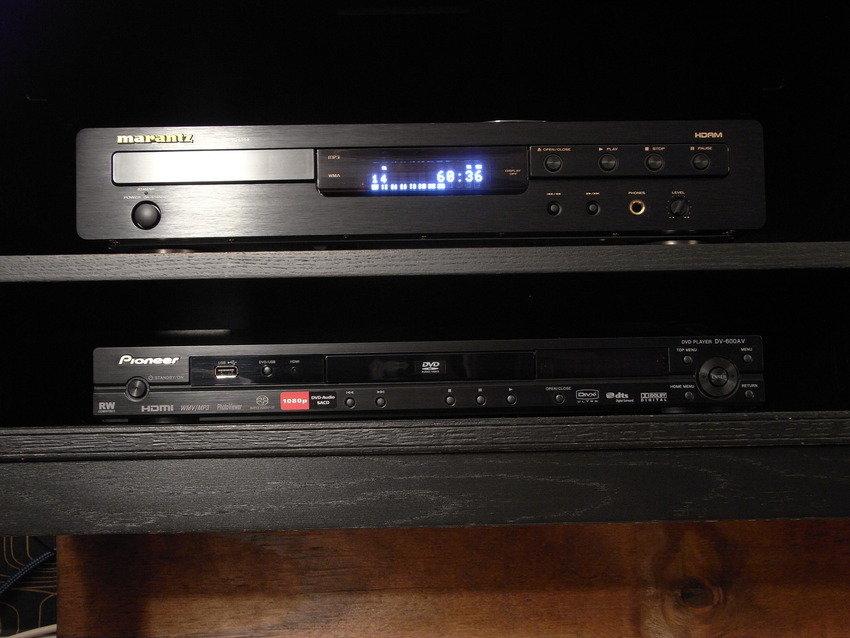 Marantz CD 6002 Pioneer DV-600av
