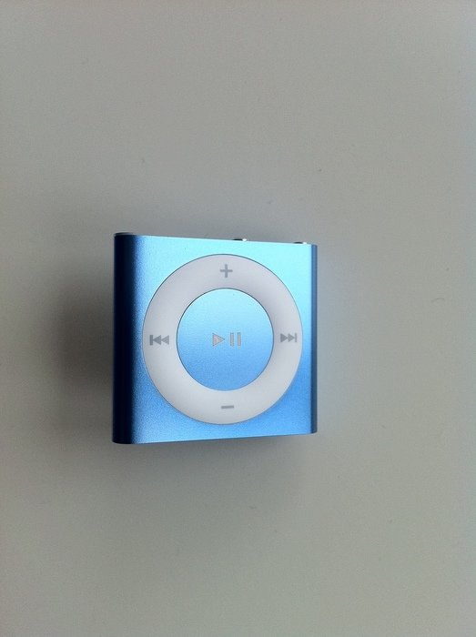 images of apple ipod shuffle 2gb 4th generation mp3 player. Black Bedroom Furniture Sets. Home Design Ideas