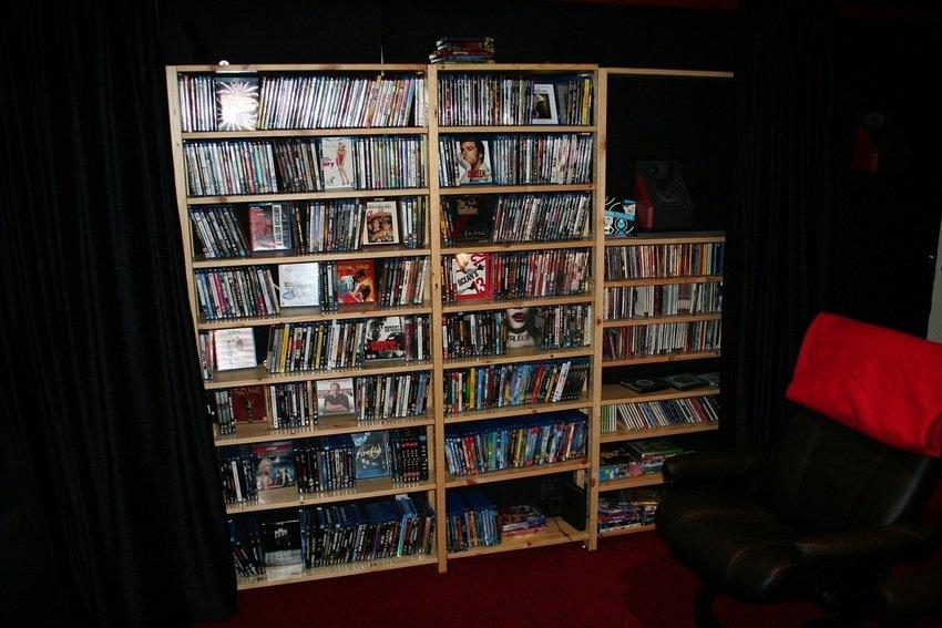 Lite mer filmer och CD-skivor på andra sidan