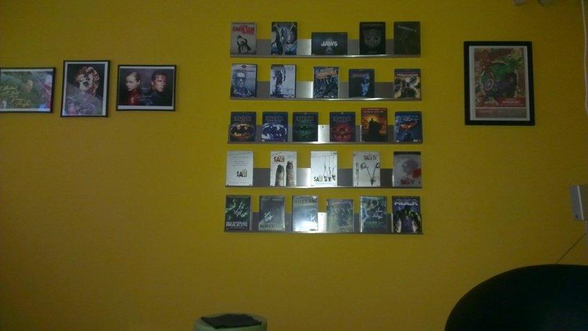 Wall of fame. DIY Filmhylla