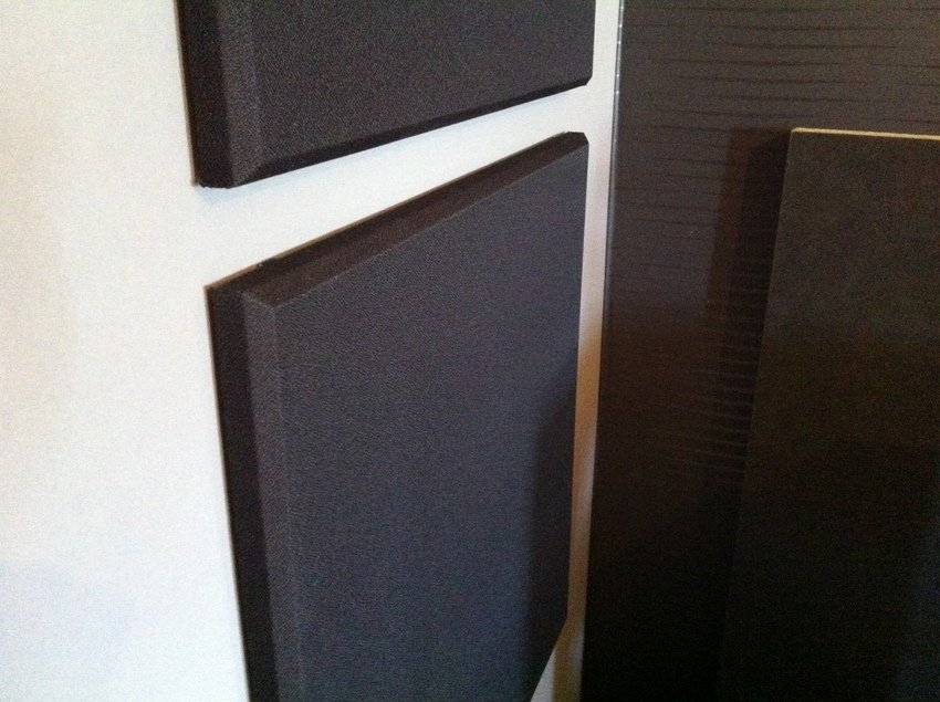 Närbild på akustikplattorna