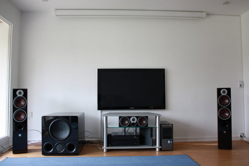 Front view of the system with the screen up