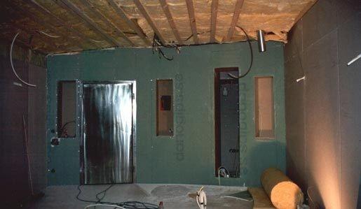 Här är väggen gipsad.