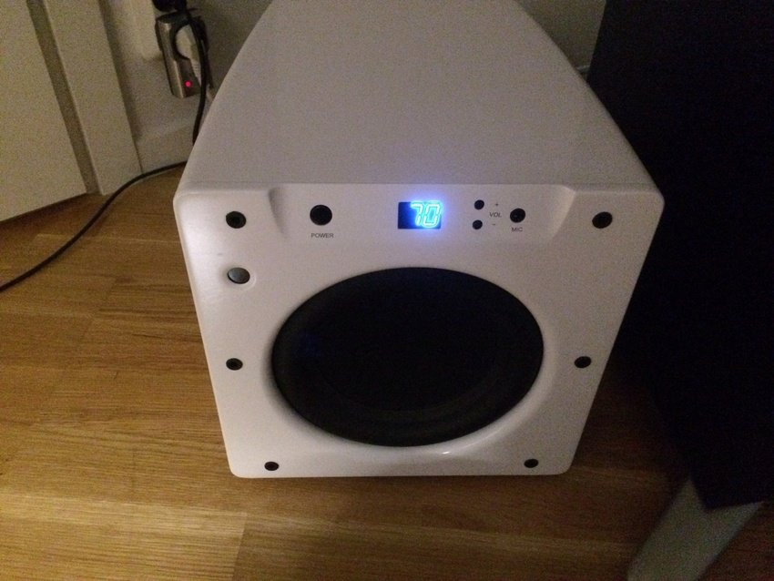 Jag testar en Velodyne SPL-800 Ultra för tillfället