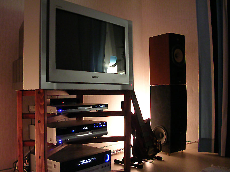 DIY TV-bänk och Stativ/Subwoofers