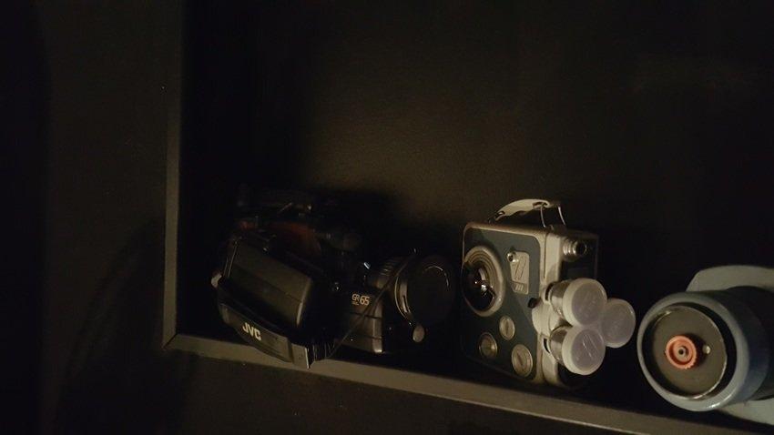 """Min gamla JVC video kamera från 1990 och fars gamla filmkamera från 60"""" talet"""