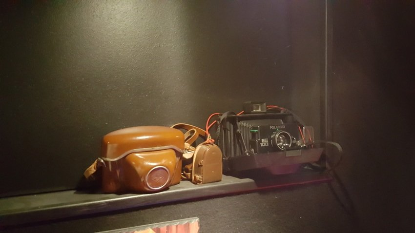 """Fars gamla kamera från 50"""" talet & en Polaroid kamera frå 80"""" talet"""