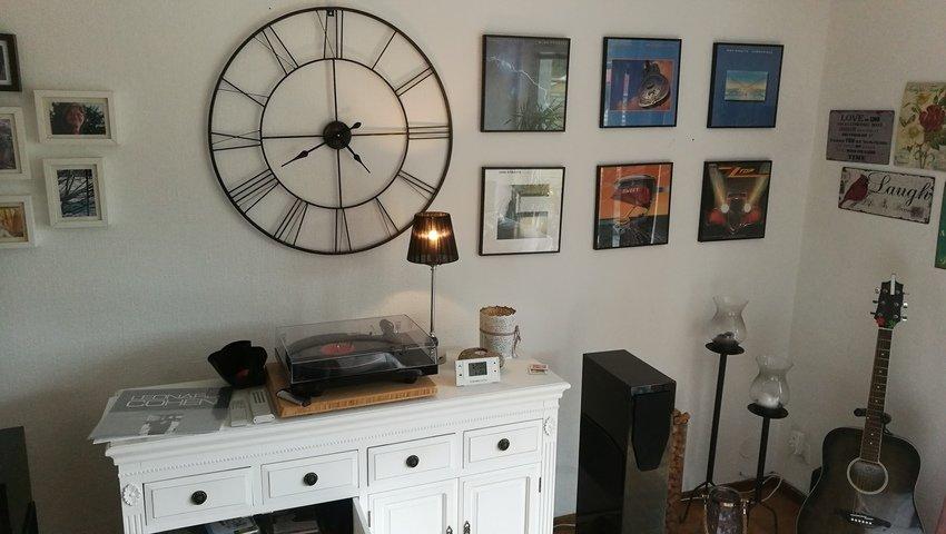 Vinyl på väggen