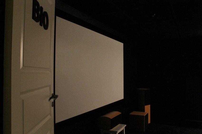 """90"""", precis så projektorn kan skjuta på ca. 3m (puh!)"""