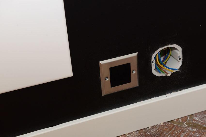 snygg maskering av högtalare kabel in o vägg
