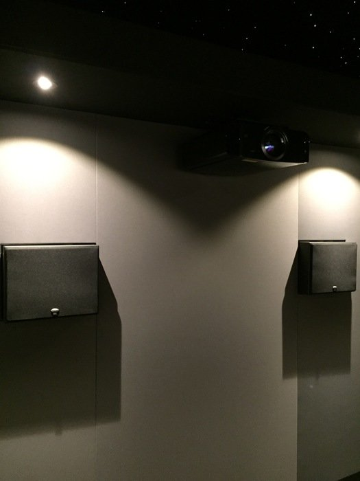 Projektorn installerad