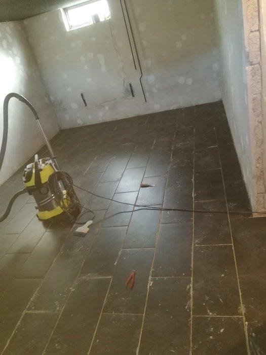 Pga av en  vattenskada i källaren så fick jag börja om från början!
