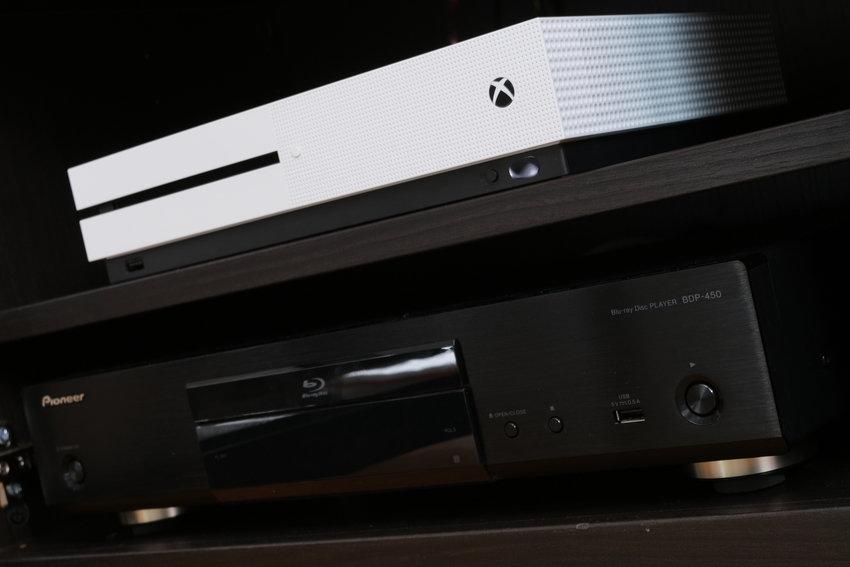 Xbox ONEs & Pioneer BDP-450