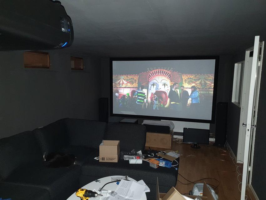 Första test med projektorn uppe i taket