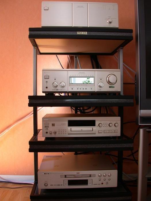 SolidTechbänk, Sony För/Slutsteg 9000ES, Sony MDSJA20ES, Marantz DV-9500