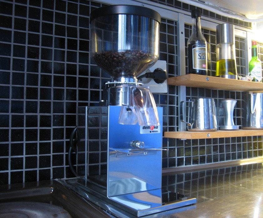 Kaffekvarn,ett måste om man vill ha en bra espresso :-)