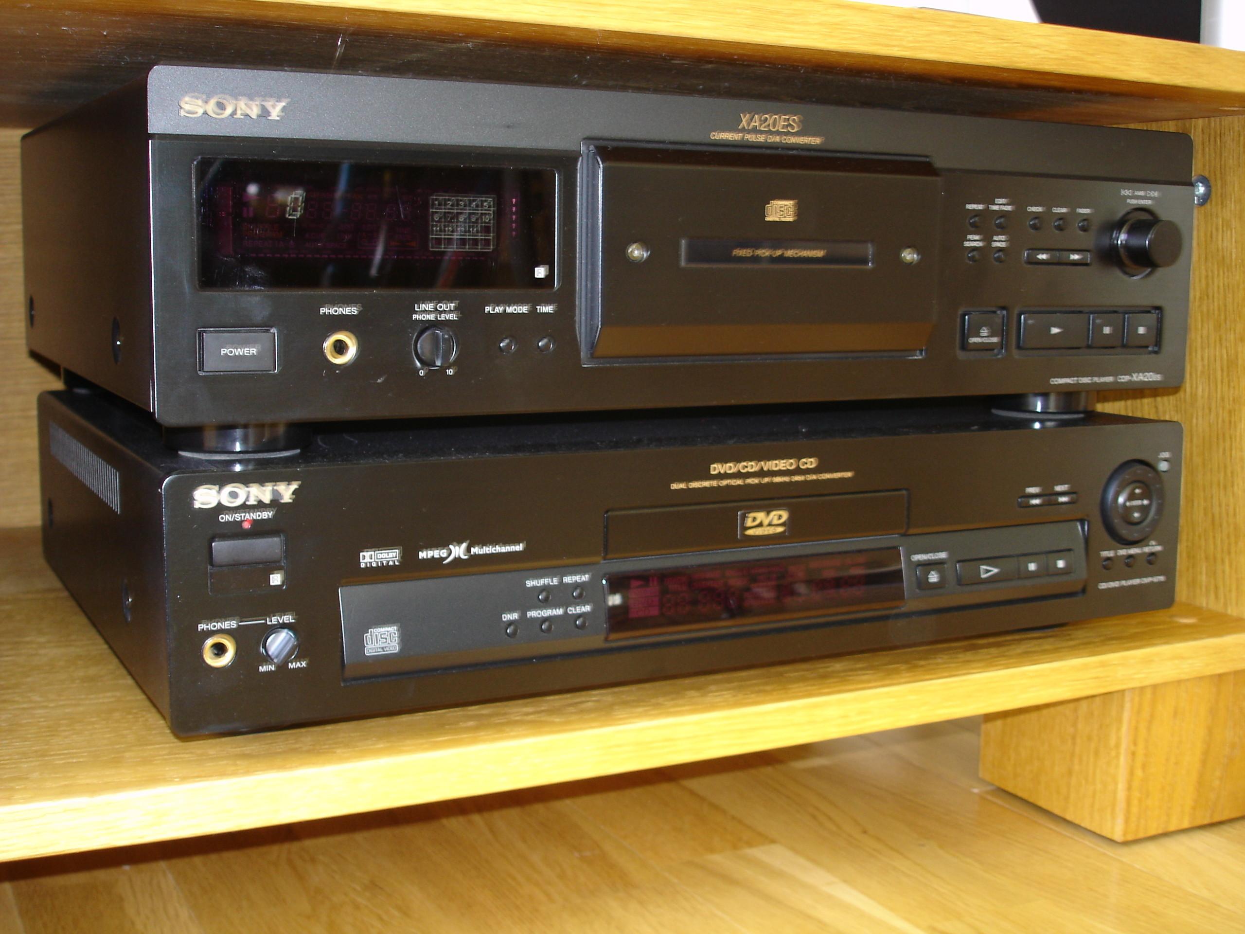 Bilder på Sony DVP-S715 DVD-spelare