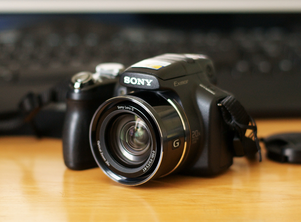 images of sony cybershot dsc hx1 digital compact camera. Black Bedroom Furniture Sets. Home Design Ideas